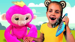 Five Little Monkeys Jumping On The Bed - Song for children by Kids Afoot