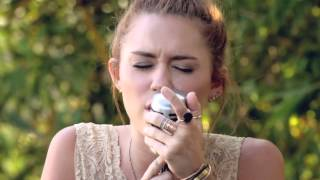 "Miley Cyrus - The Backyard Sessions - ""Jolene"""