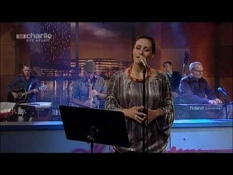 Baixar Julie Berthelsen - Timmisssatut Illunnga (Som en fugl) - Live