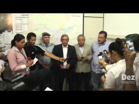 Baixar Policiais militares e delegado são presos durante operação 'Tribunal de Rua'