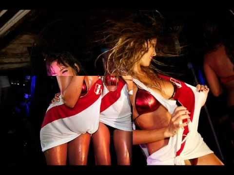 DJ PELIGRO FT LAS VENGADORAS - Soy Soltera y Hago Lo Que Quiera