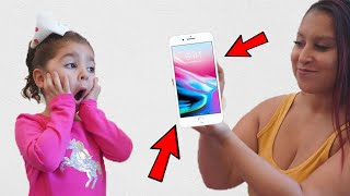 SURPRISING MY DAUGHTER WITH AN iPHONE!!! *SO FUNNY*