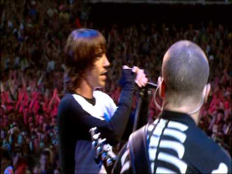 Red Hot Chili Peppers - Universally Speaking - Live at Slane Castle [HD]