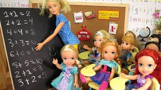 MATH Test ! Elsa and Anna toddlers at School - Who's cheating ? Pet hamster