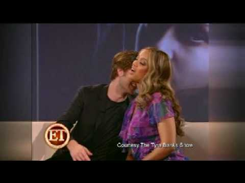 Robert Pattinson gives Tyra Banks a Hickey !!!