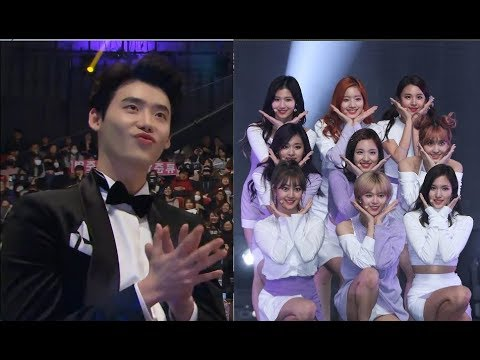 K-Idols/Celebrities Reaction to TWICE (트와이스)