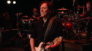 The Doobie Brothers - Listen To The Music (Live From The Beacon Theater)