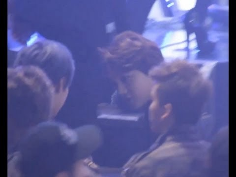 [Fancam]130131- EXO-K Kai and BAP Zelo bowing to each other