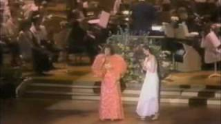 Crystal Gayle & Loretta Lynn at boston pop loretta