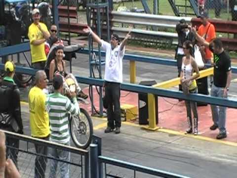 LOCOTRON Y UNA CHICA DEL MOTOCLUB ANGELES REBELDES DE ARAGUA.MOD