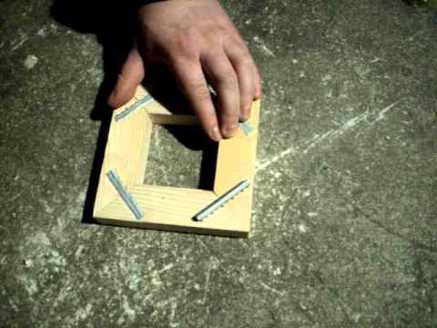 comment faire un cadre en bois youtube. Black Bedroom Furniture Sets. Home Design Ideas