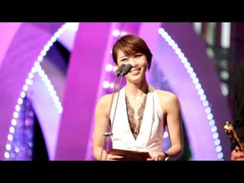 2011  BaekSang Awards 백상예술대상 하지원 시상 직캠