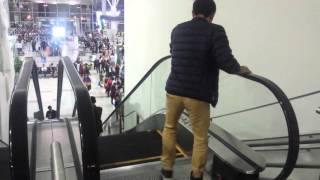 Lần đầu tiên đi thang máy