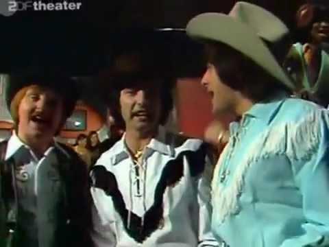 Les Humphries Singers   Kansas City 1974 HQ   YouTube