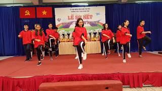 Nhảy hiện đại - Năm mới bình an & Về nhà ăn Tết - Nhóm nhảy S.F - Khối 8