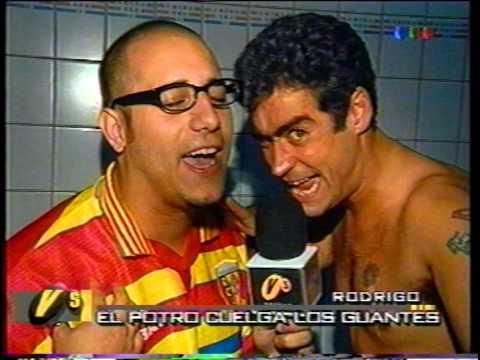 Rodrigo anuncia su retiro en el Luna Park con Fierita (Versus 2000)