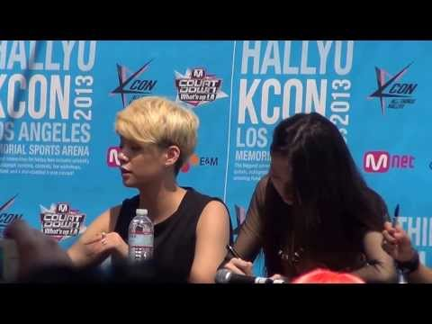 f(x) Amber and Fans Chanting @ KCON '13 f(x) fan signing
