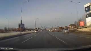 Спокойная реакция на дороге в Риге (13.01.2015) — YouTube