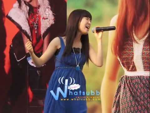 [Whatsubb Video] 20100320 Zhang Li Yin showcase @ Paragon - 1 - Moving on & Interview ++