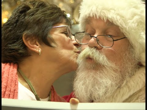 Grandma's Cookies, the Official Cookie of Santa Claus, Bakes up Big Surprises For Unsuspecting Shoppers