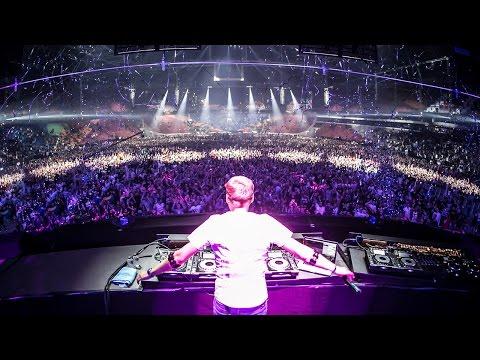 Armin van Buuren live at Amsterdam Music Festival 2015