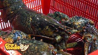 Lobster with Side Dishes / Korean Street Food / Jagalchi Market, Busan Korea