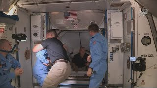 SpaceX Crew Dragon delivers two NASA astronauts to Interna..