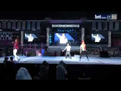 120818 BNT NEWS - LIKE A G6 [Key Amber Kris] SMTown Seoul 2012