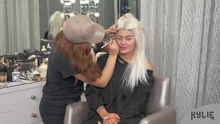Getting Ready For Halloween | Kylie Jenner