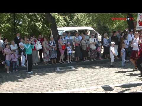 До Дня Перемоги на Соборній площі міста Чернівці пройшов марш-парад