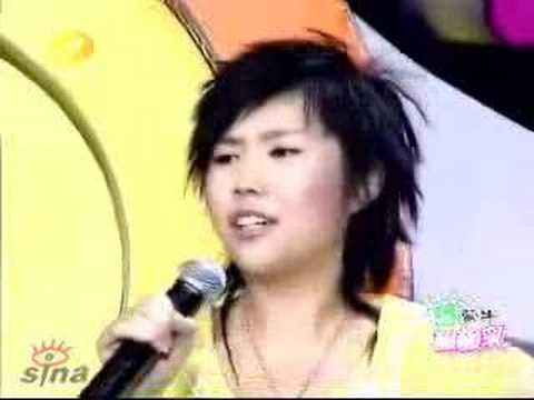 Chinese Girl with a Great Voice singing acapella