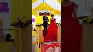 Cô gái m52. Chú rễ hát tặng cô dâu trong ngày cứơi. Quá hạnh phúc.