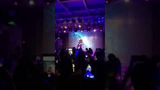 """Trương Triết Hạn hát live : quay người """" trong bữa tiệc sinh nhật 520"""
