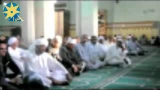 بالفيديو .. محافظ اسوان يؤدي صلاة العيد     -