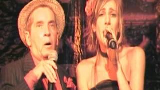 """Também parte do espetáculo """"4 Semanas de Amor"""", Dedina e Domingos soltaram suas vozes no """"Tango do cafetão""""."""