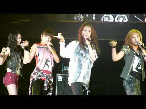 [SMTOWN 2010 - LA] f(x) - Chu (ft. Minho of SHINee) [100904]