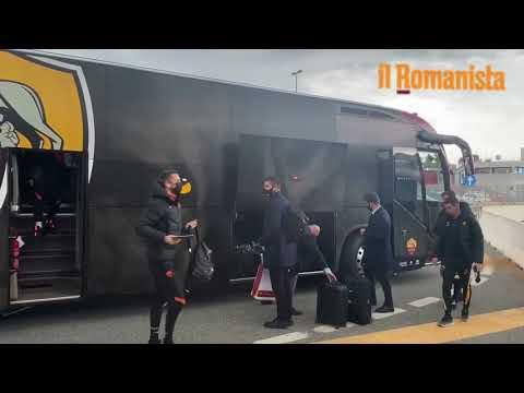 VIDEO - La partenza della Roma per Kiev da Fiumicino