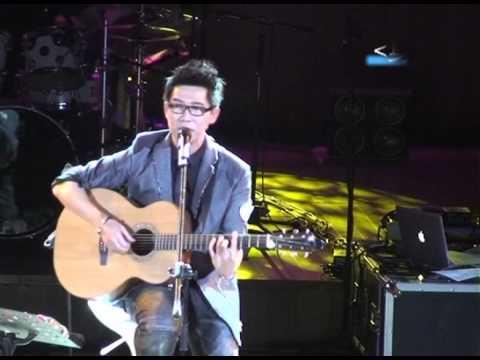 2012Victor品冠【未拆的禮物】近距離演唱會-上海場精華版-五月天祝賀