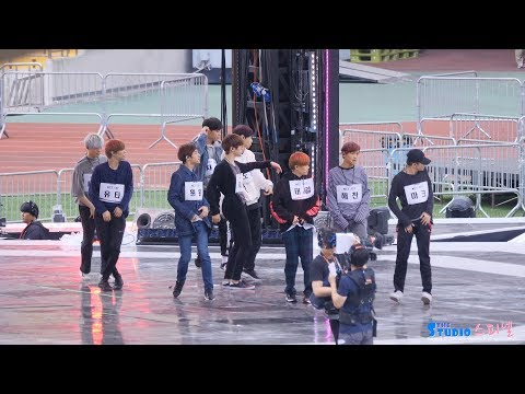 171022 엔시티127 '체리밤' 리허설 직캠 NCT 127 Rehearsal 4K fancam - Cherry Bomb by Spinel