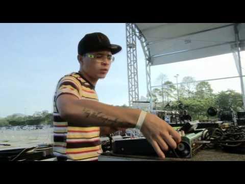 Baixar Mc Lon Apresentação no YouTube Music Rio 2013 [HD]