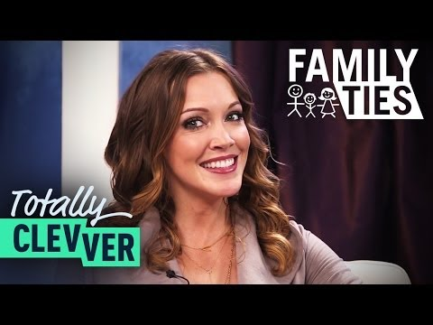 Guess The Celebrity Parents Game With Arrow's Katie Cassidy - Totally Clevver