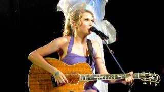 "Taylor Swift - Eminem's ""Lose Yourself"" and Uncle Kracker's ""Smile"" Grand Rapids, MI"