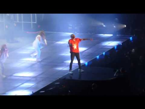 Baixar Chris Brown - Don't Wake Me Up LIVE ! AT Bercy PARIS 09/12/12