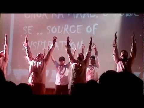 IIM Indore ke 'laundon ka mujra'