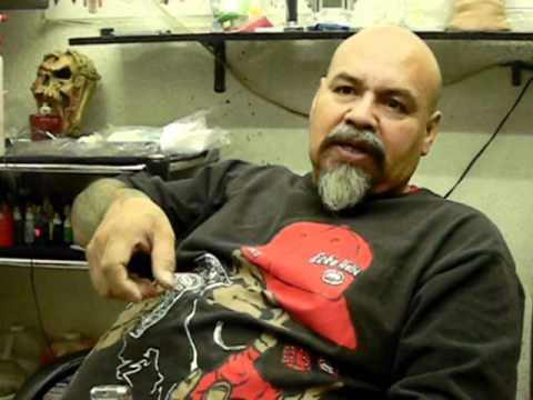 El tatuador del barrio, símbolo de Tepito