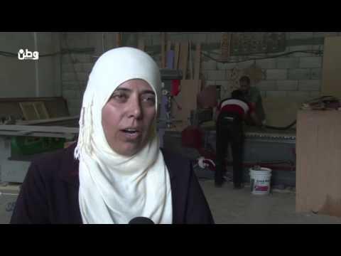 """غزة..""""منتوجات خشبية بأنامل متألمة"""""""