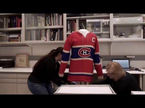 Le Musée canadien de l'histoire dévoile sa captivante saison 2016-2017 en vous présentant un aperçu exclusif de son programme. Sur cette vidéo vous verrez des artefacts uniques provenant de collections canadiennes et internationales d'une valeur inestimable et qui racontent des histoires de luttes et d'aspirations — depuis les chercheurs d'or jusqu'aux marches de protestation; des patinoires de hockey aux monuments parisiens. Ce montage vous fait découvrir les préparatifs de nos spectaculaires expositions spéciales en cours et à venir : Tirées par les chevaux – La collection de voitures hippomobiles de Paul Bienvenu; Ruée vers l'or! – Eldorado en Colombie-Britannique; Napoléon et Paris; « Les femmes de bien ne veulent pas voter » et Le hockey au Canada – Plus qu'un simple jeu.  Nous remercions en particulier le Musée Carnavalet – Histoire de Paris et Paris Musées, les Musées de la civilisation, le Royal BC Museum, le Musée du Manitoba et l'équipe exceptionnelle du Musée canadien de l'histoire pour la production de cette vidéo.