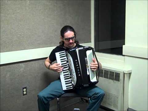 Baixar Miley Cyrus - Wrecking Ball [accordion cover]
