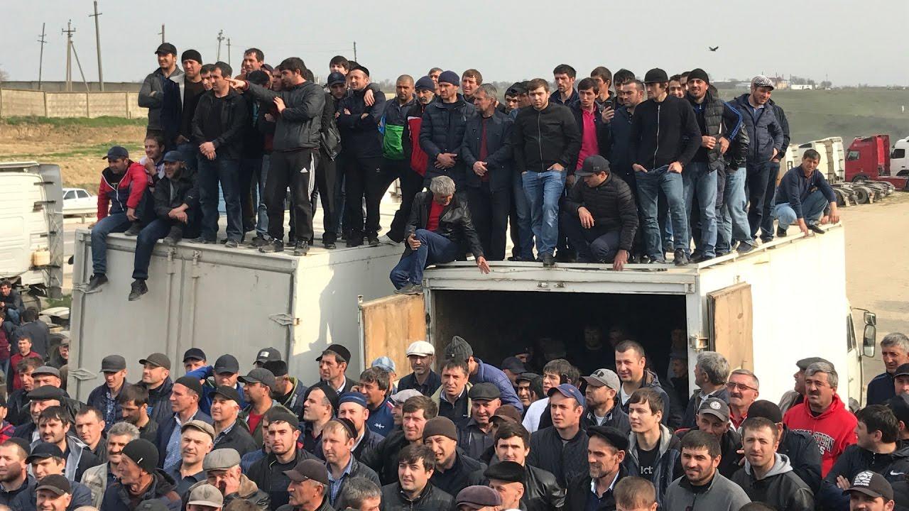 Бажутин приехал к дальнобойщикам Дагестана