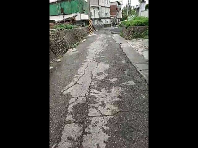 地方萬花筒》影/員林市山腳路出現「火山口」奇觀